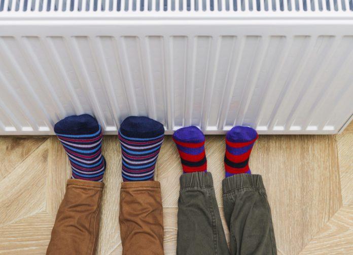 Ne visur šildymas brangsta - Šiaulių miestas ir rajonas bei Pakruojis mokės mažiau nei pernai - kitų apskrities savivaldybių šilumininkai kelia šildymo kainą.